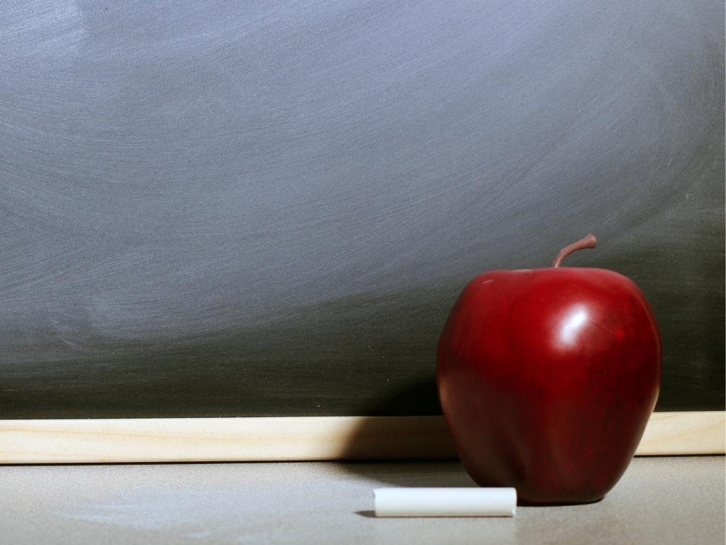 apple-chalkboard